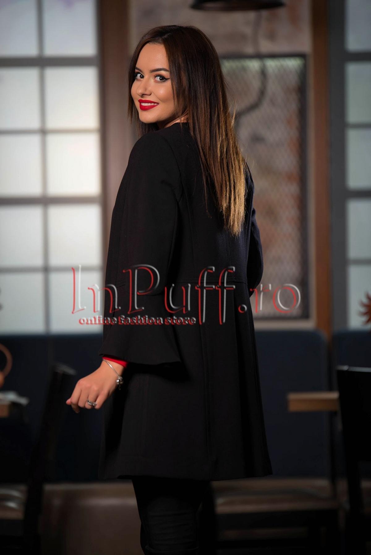 Jacheta eleganta neagra cu maneci clopot