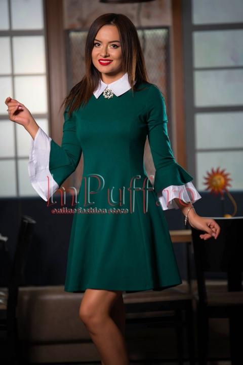 Rochie verde eleganta cu accesoriu la gat