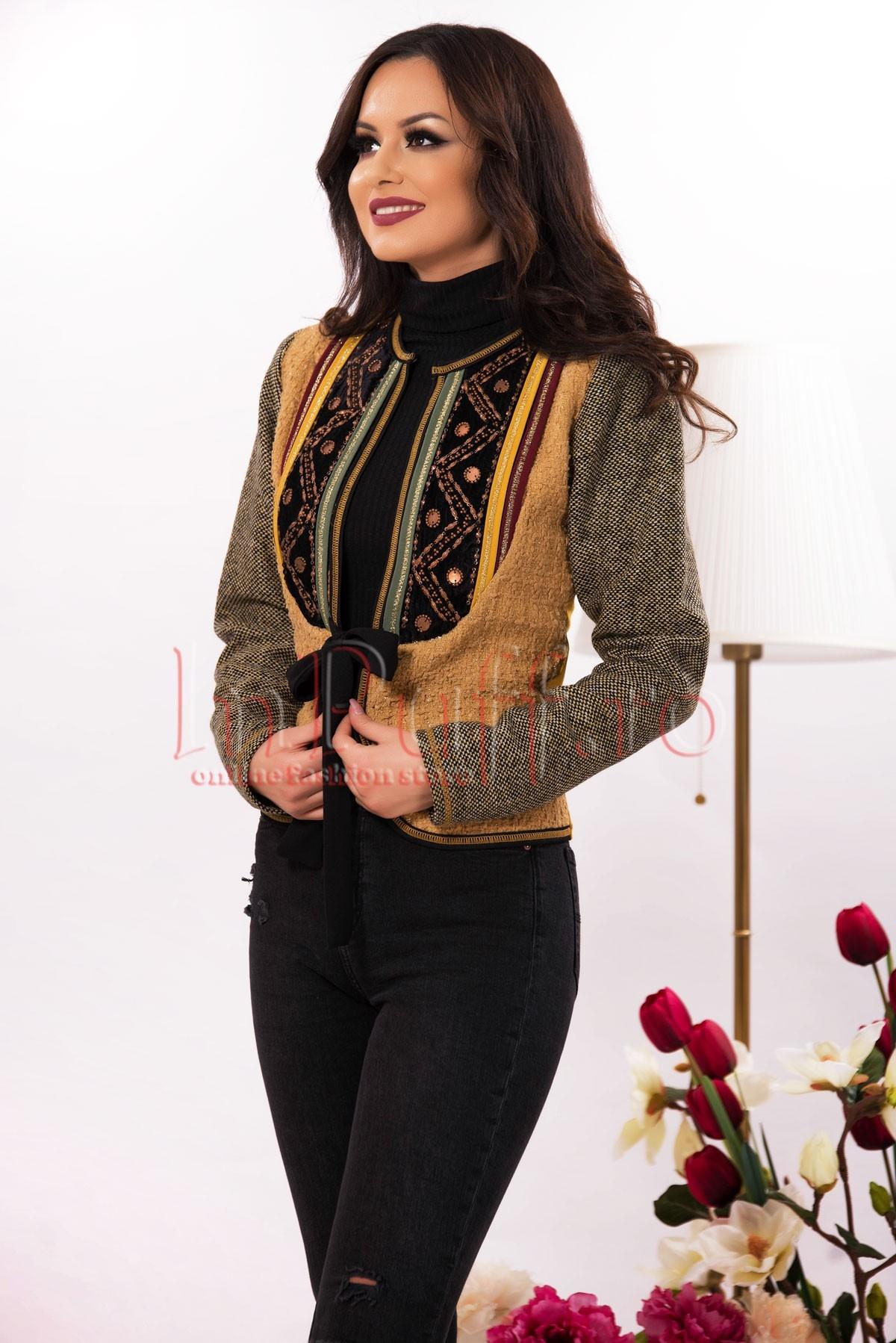 Jacheta traditionala galben mustar din lana
